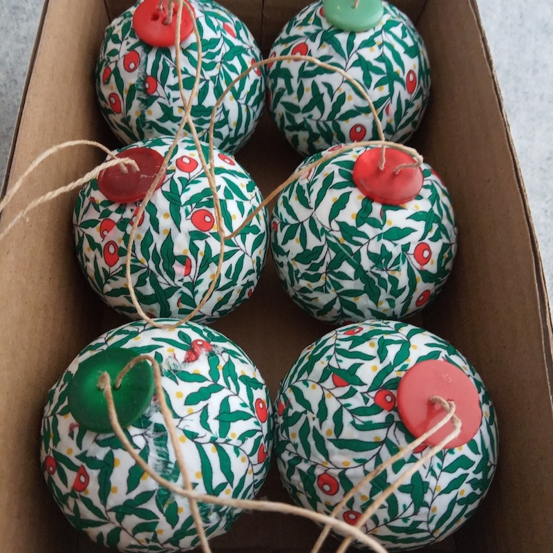 Red berry baubles