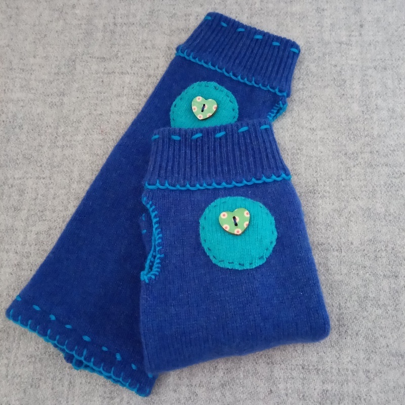 Wristwarmers blue and turquoise