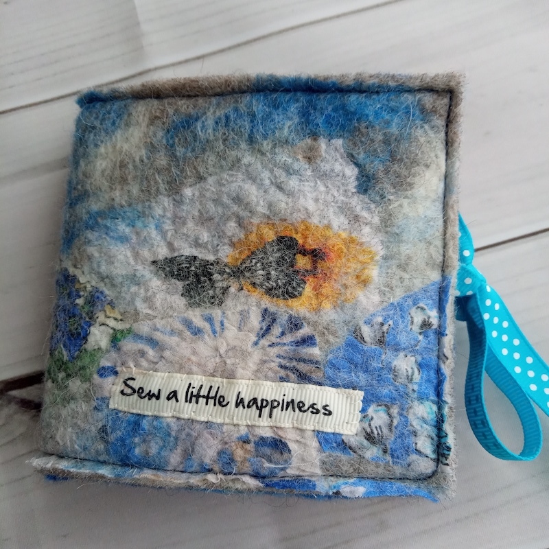 Needle case (sew a little happiness blues)