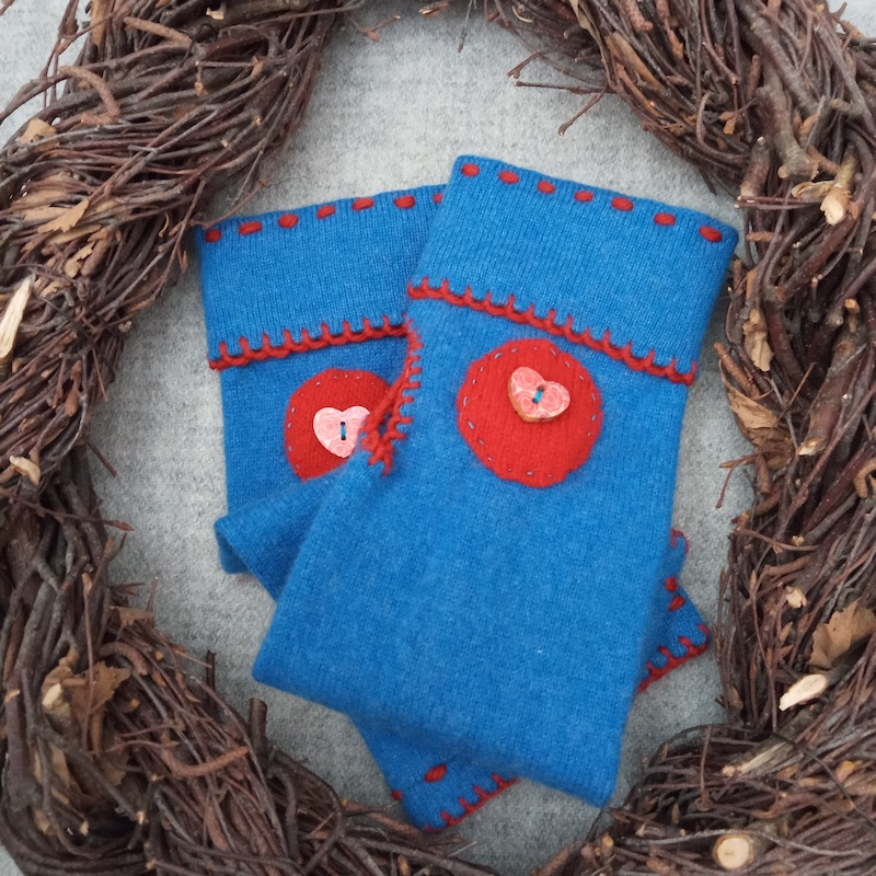 Wristwarmers cashmere, blue and red