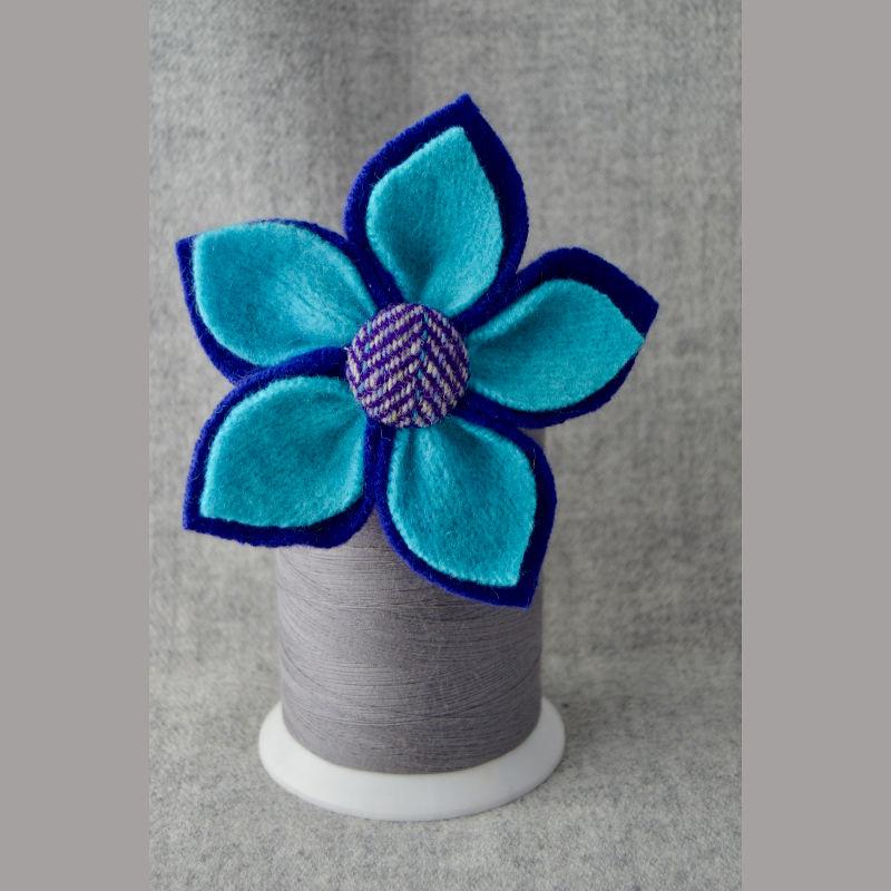 5 Petal Corsage (dark blue & turquoise)