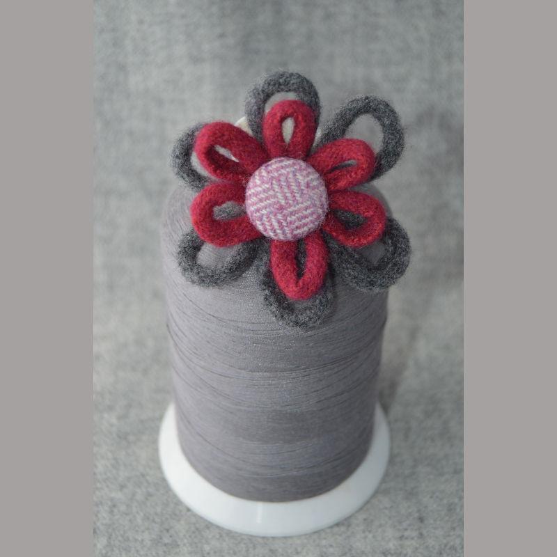 Daisy Chain Brooch (red & grey)